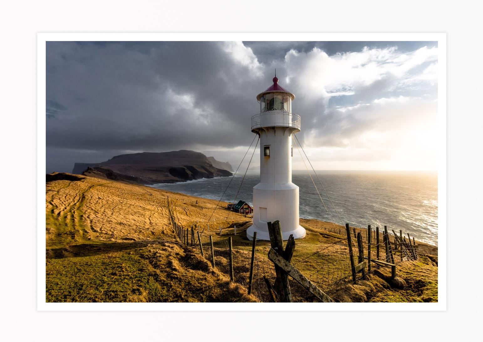 FAROE-ISLANDS-MYKINES-LIGHTHOUSE