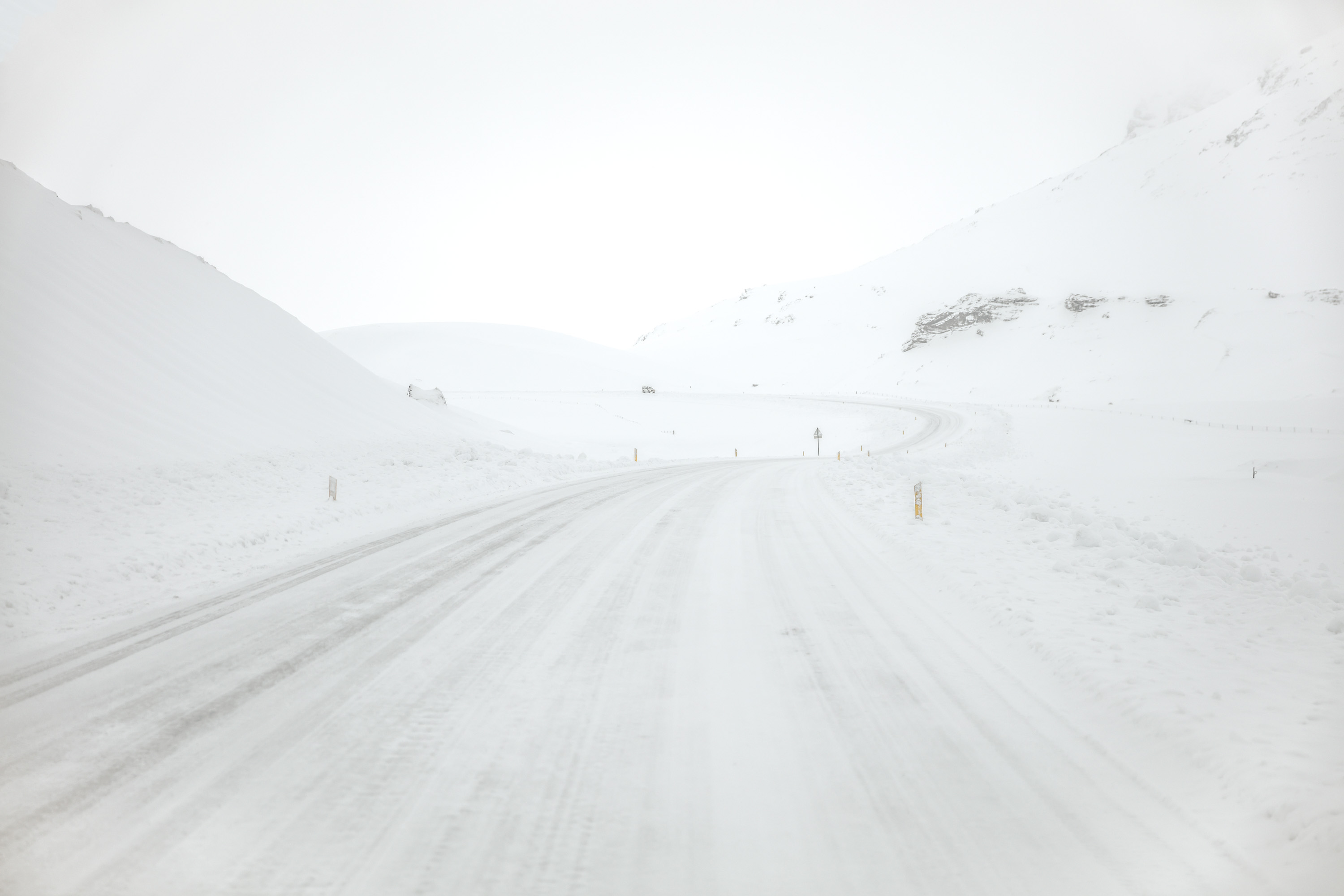 ICELAND-RING-ROAD-WINTER