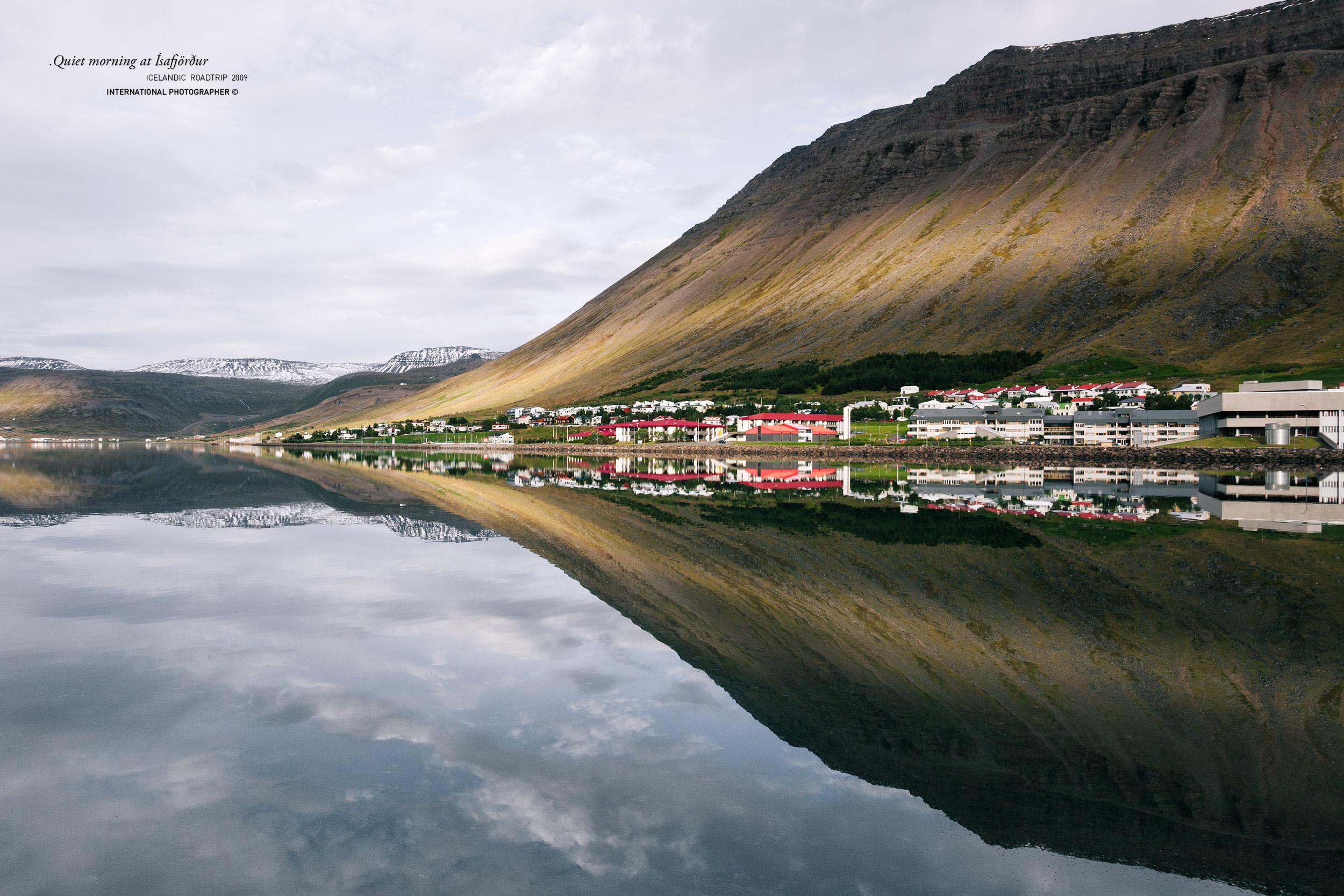 Reflet sur la baie d'Isafjordur
