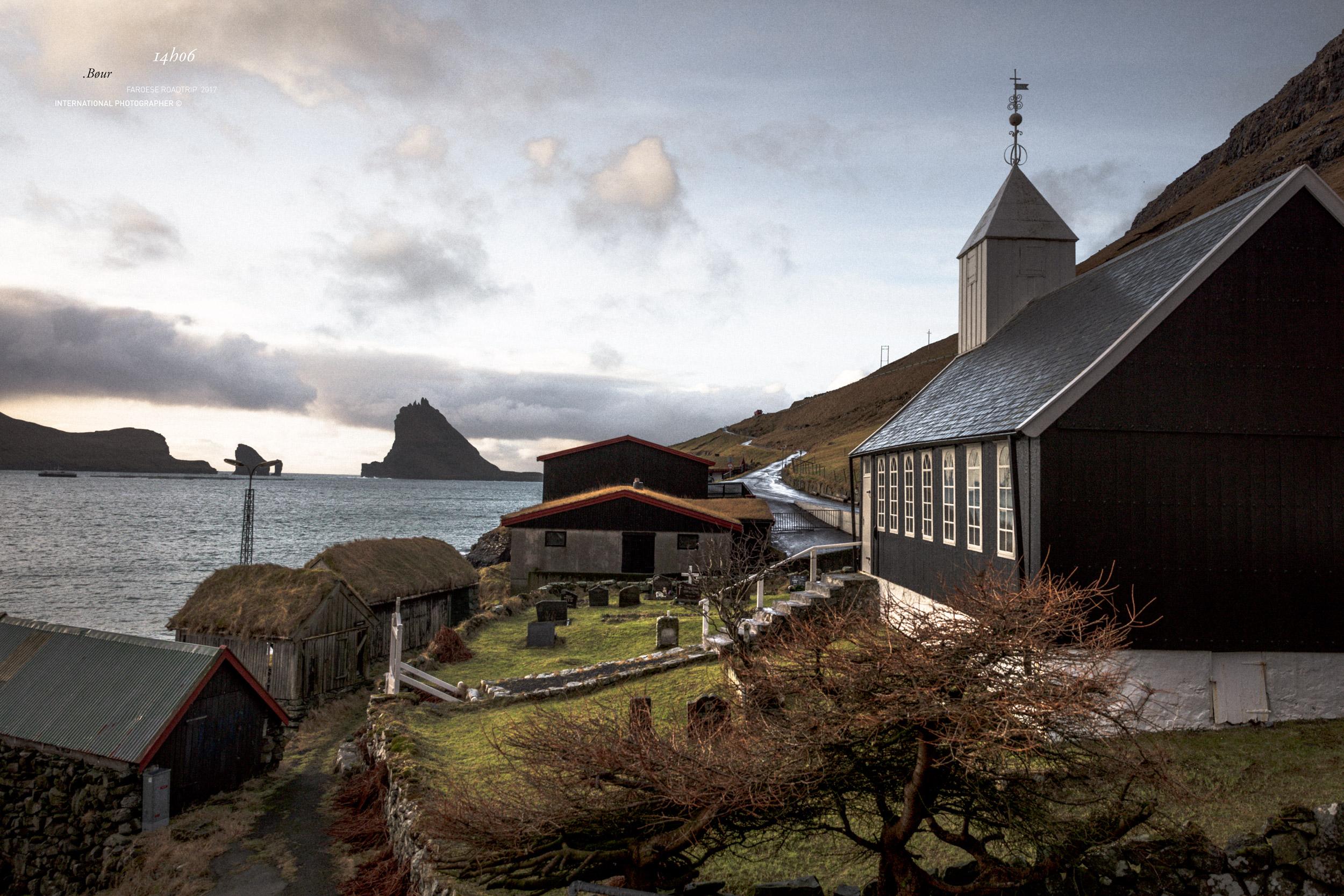 Le village de Bøur et son église