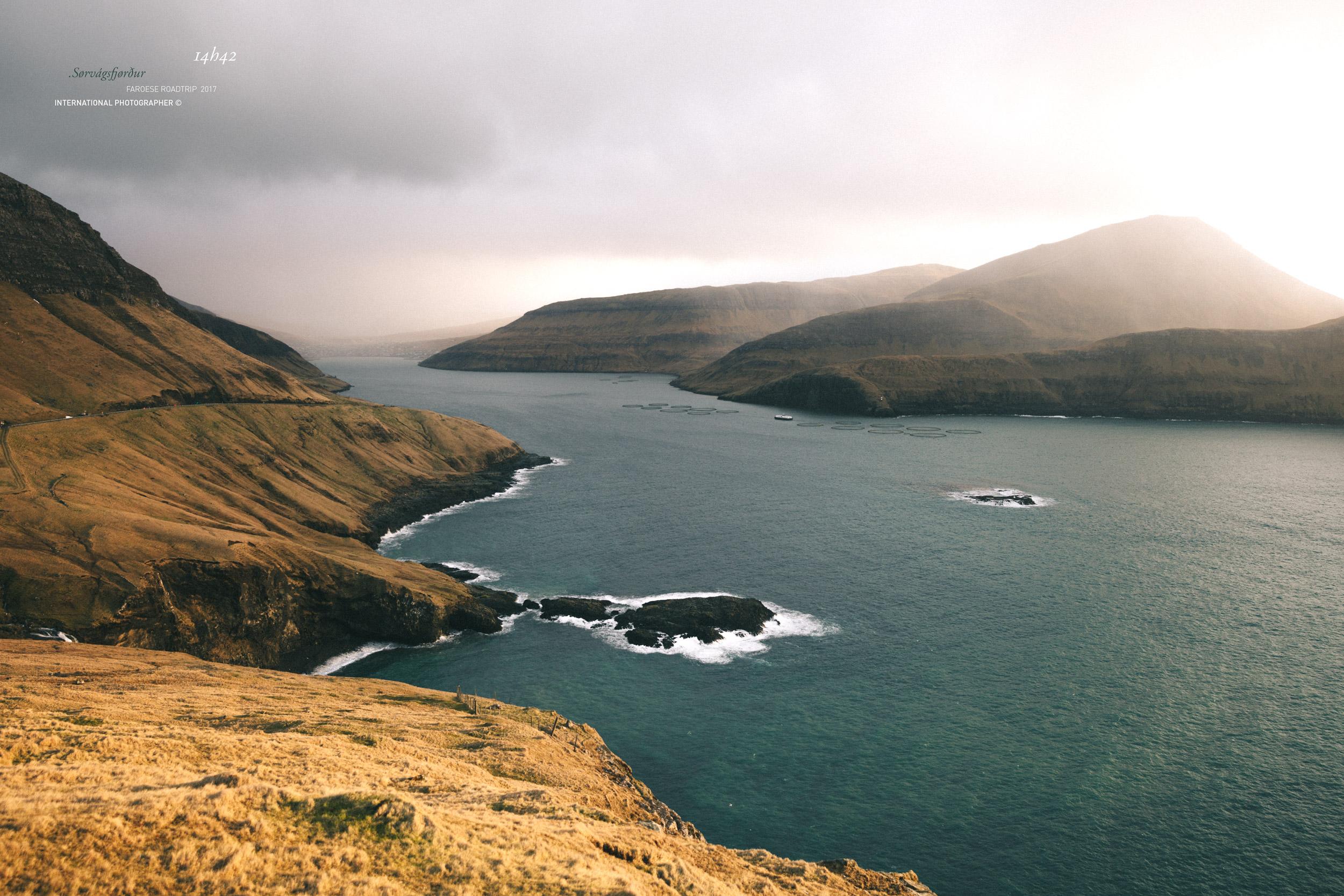 Vue sur le fjord Sørvágsfjørður